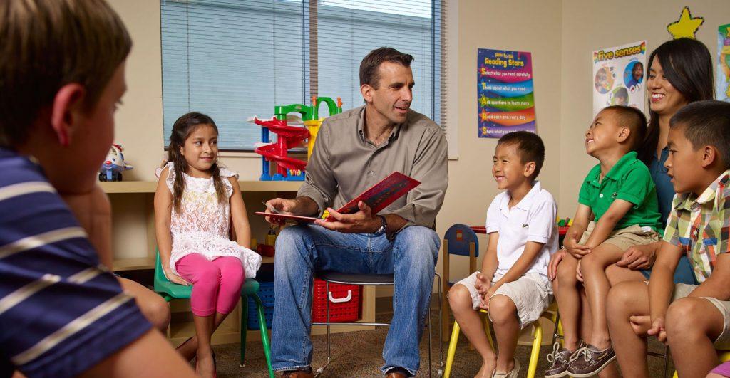 mayor with school children
